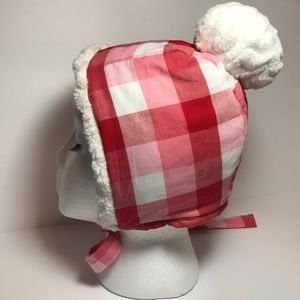 Red and white warm bonnet